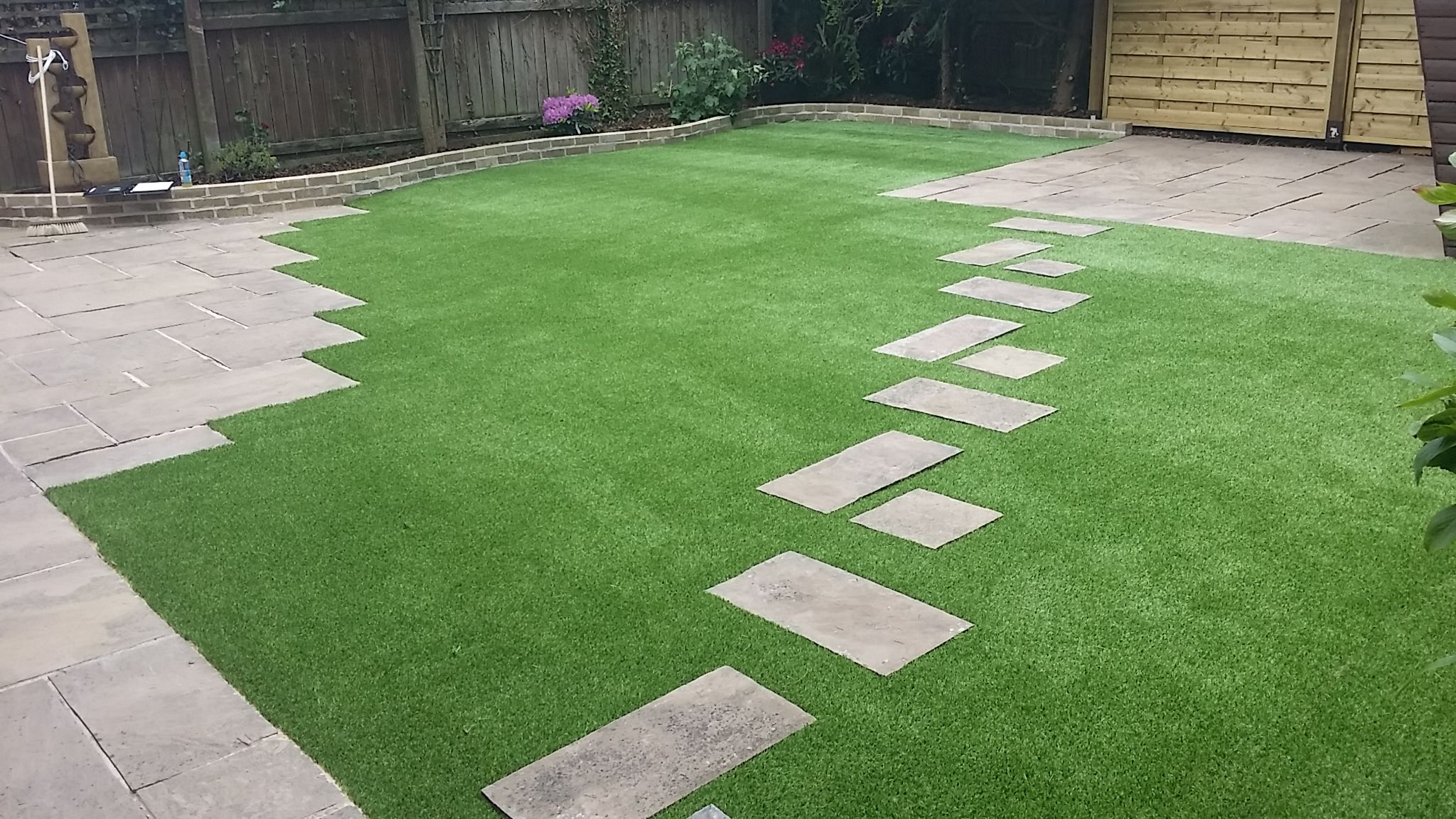 Fake Grass Can Be Can Be An Instant Pick Me Up For Small Space Gardens At  Your Home And Courtyards. This Will Prevent The Need For Noisy Mowing And  ...